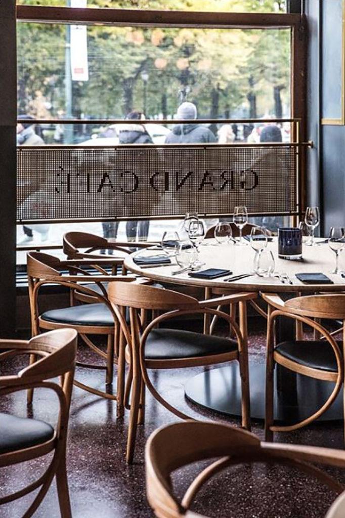 Vindusdekor Grans Café, folie på vindu, dekor