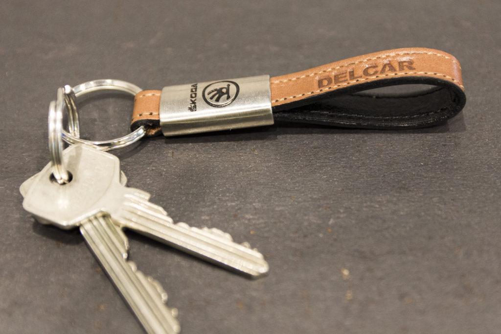 Nøkkelring Skoda, Nøkkelring med logo, nøkkelring i skinn