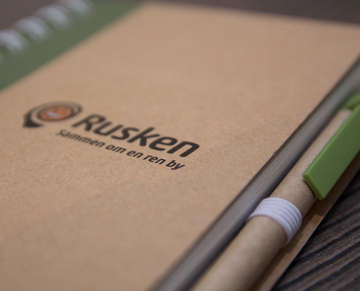 Notatbok miljøvennlig Rusken, notatbok med penn, resirkulert papp
