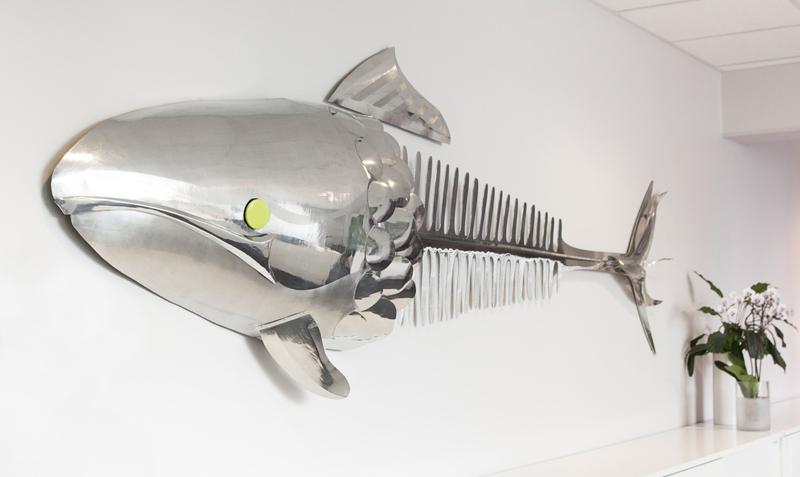 Spesiallaget fisk i messing, spesialproduksjon