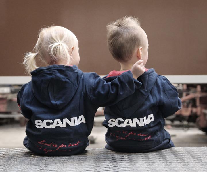 Spesialdesignet barneklær til Norsk Scania