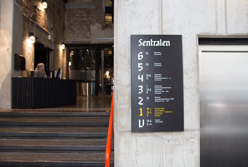 Informasjonsskilt Sentralen, etasjeskilt