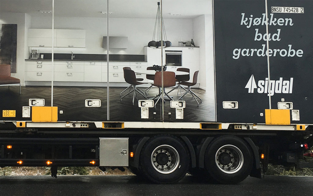 Trailerdekor Sigdal, bildekor, folie på trailer