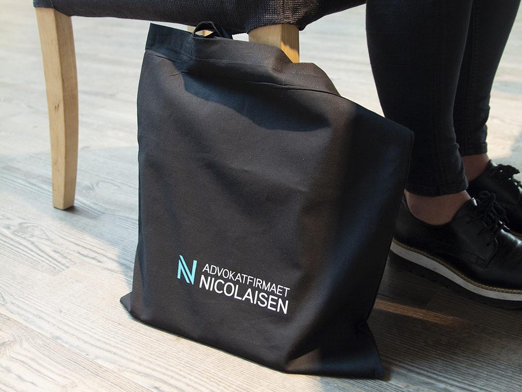 Handlenett med firmalogo, miljøvennlig handlenett, bærenett med logo.