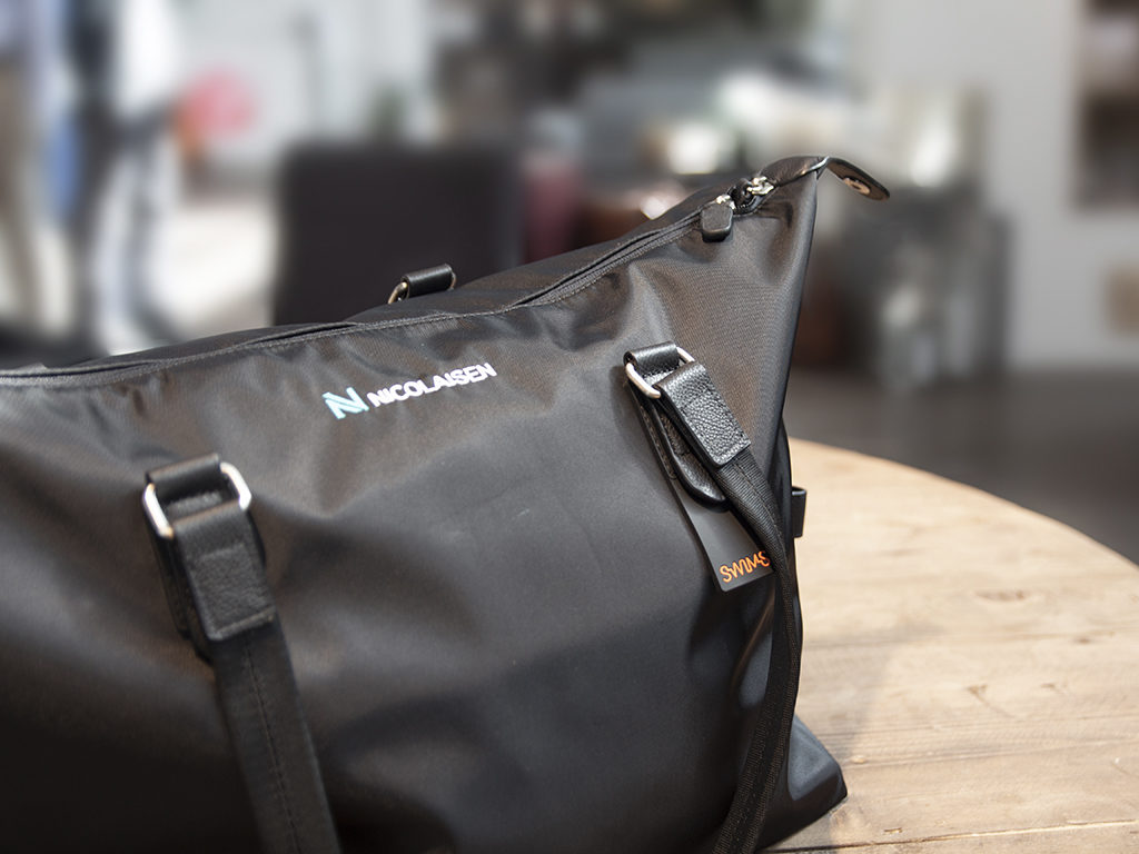 Swims bag med firmalogo. weekendbag med logo.