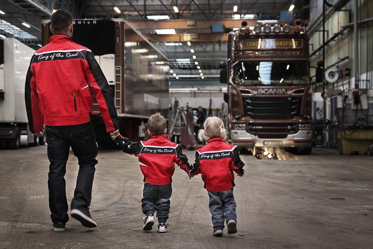 Spesialdesign av jakke Norsk Scania. Spesialproduksjon jakke, jakke med logo, profiljakke, barnejakke med logo