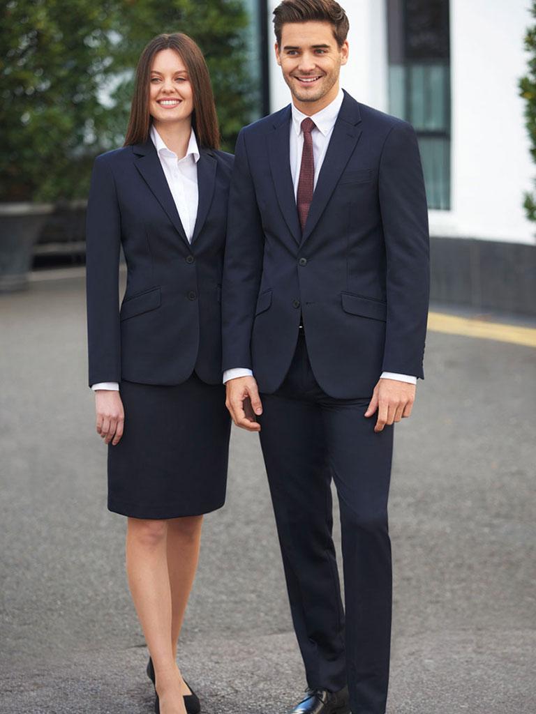 Dame og herre dress, dressbekledning til jobb, arbeidsklær, dressjakke, dress skjørt, dressbukse, konfeksjon