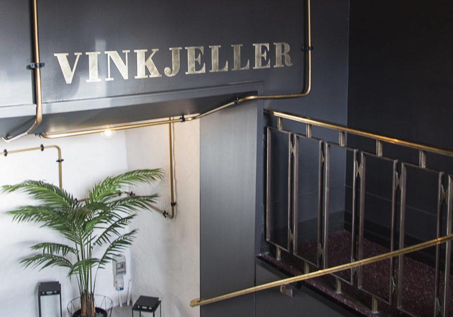 Messingskilt Grand Café, innendørs skilt, dekor, utsmykning