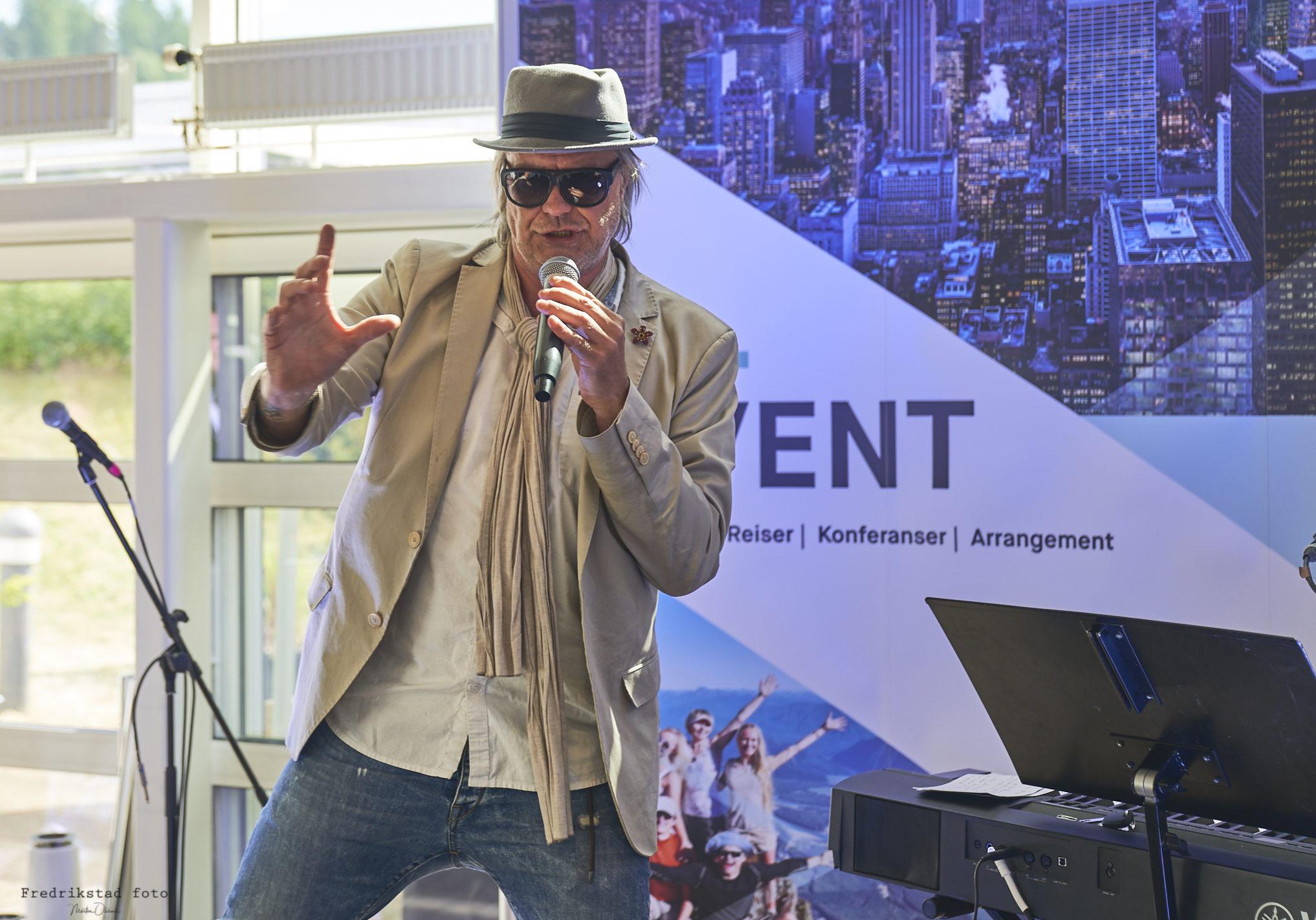 Konferansier Alex Ròsen